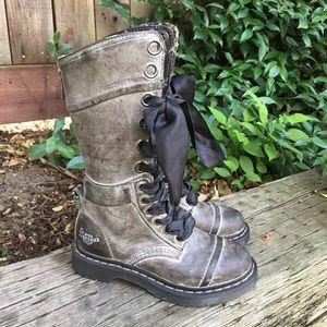 Dr Martens Triumph Grey Massai Floral Boots 5L